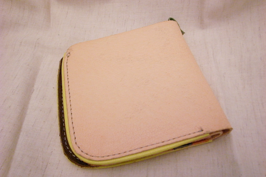 MAHAROの皮財布