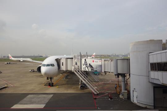 旅客機・羽田空港にて
