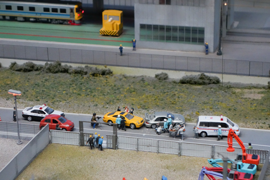 交通事故(のジオラマ)
